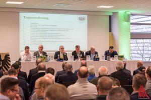 Der Vorstand des SCP (v.l.: Burkhardt Brüx, Hans-Jürgen Eidecker, Christoph Strässer, Martin Jostmeier, Bernhard Niewöhner, Malte Metzelder. Foto: Carsten Pöhler)