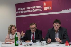 Svenja Schulze, Jochen Köhnke und Thomas Marquardt ziehen Halbzeit-Bilanz. (Foto: ml)