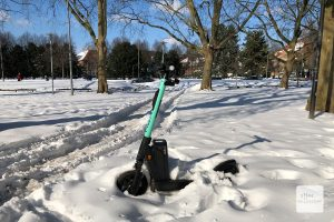 Temperaturen bis minus 17 Grad sind nicht unbedingt günstig für die Akkus der E-Scooter. (Foto: Bührke)