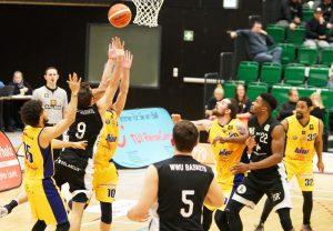 Die Baskets hier beim ersten Auswärtssieg in Schwelm vor drei Wochen. (Foto: Markus Holtrichter)