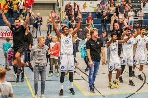 Die WWU Baskets entscheiden den Saisonauftakt gegen die Dresden Titans für sich. (Foto: Markus Holtrichter)