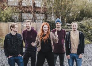 "Christopher Kintrup, Tobias Kintrup, Frederike Kerner, Jonas Chrobak und Sergej Udarcev sind ""The Late Night Call"". (Foto: Eske Venja Onnen)"