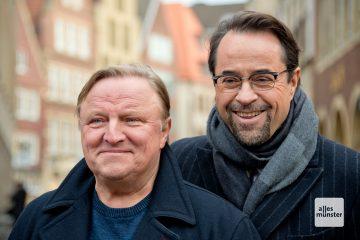 Axel Prahl (l.) und Jan Josef Liefers (r.) sind seit 2002 Frank Thiel und Karl-Friedrich Boerne im Tatort Münster