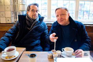 Beim ALLES MÜNSTER Interview gab's für Jan Josef Liefers Tee. (Foto: Michael Bührke)