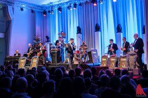 Eine Bigband in klein brachte Tom Gaebel am Sonntag mit nach Münster. (Foto: sg)