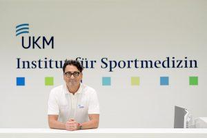Univ.-Prof. Stefan-Martin Brand vom UKM warnt Ungeübte vor Sport bei großer Hitze. (Foto: UKM)