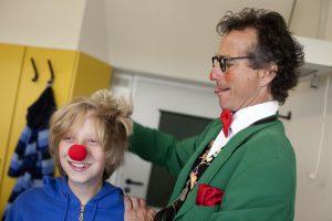 Clinic-Clown Christoph Gilsbach bei der Arbeit. (Foto: UKM)