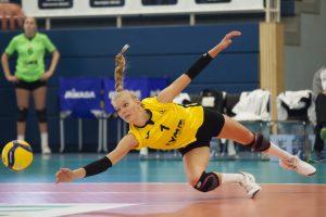 Libera Linda Bock kratzte gegen Wiesbaden wieder zahlreiche Bälle vom Boden. (Foto: Daniel Wesseling)