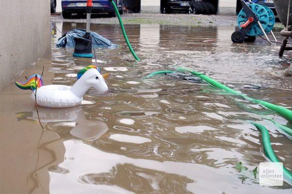 Ein Bild der Verwüstung am Morgen nach der Überflutung (Screenshot: Magda Mayerhoff)