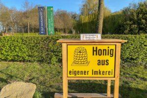 """Die """"Honigkiste"""" von Hobbyimker Thorsten Borgmann an der Havichhorster Mühle am Gut Havichhorst. (Foto: Borgmann)"""