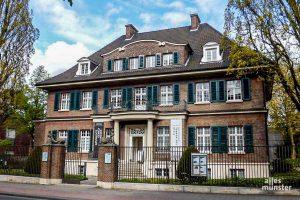 An der Villa ten Hompel ist ab Montag eine neue Außenausstellung zu sehen. (Archivbild: Ralf Clausen)