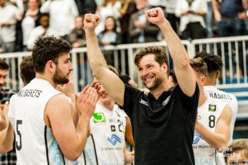 Headcoach Philipp Kappenstein (re.) und Kapitän Jan König (li.) konnten sich auch an diesem Wochenende über einen Sieg freuen. (Archivbild: Claudia Feldmann)