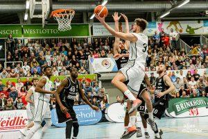 Die Baskets krönten die Märchensaison mit der Meisterschaft. (Foto: Claudia Feldmann)