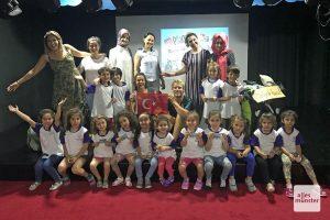 Unser jüngstes Publikum in einem türkischen Kindergarten in Izmit, 60 Kilometer östlich von Istanbul. (Foto: Piggybackriders)
