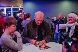 Leonard Lansink erfüllte alle Autogrammwünsche. (Foto: tm)