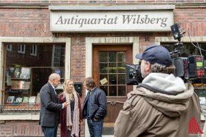 Kameramann Philipp Timme setzt die Hauptdarsteller Leonard Lansink, Anne Kanis und Oliver Korittke in Szene. (Foto: cf)