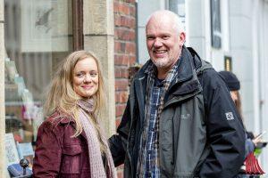Schauspielerin Anne Kanis und Regisseur Martin Enlen am Set. (Foto: cf)