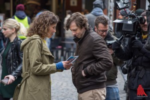 Hauptdarsteller an diesem Drehtag: Katharina Spiering und Oliver Korittke. (Foto: th)