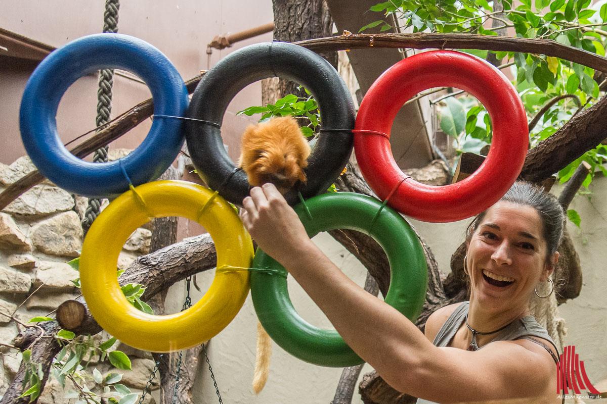 Revierleiterin Teresa Ludwig stellt die ZOOlympiade vor. (Foto: th)