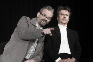 """Die Jubiläumsproduktion """"Zuschauspieler"""" im Kleinen Bühnenboden mit Konrad Haller (re.) und Toto Hölters (Foto: Hanno Endres)"""