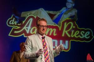 Gastgeber und Showmaster Adam Riese (Foto: th)