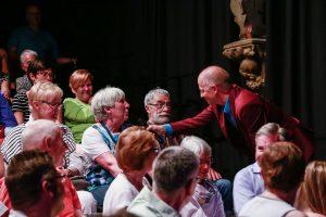 Martin Quilitz entlockte dem Publikum ein paar Geheimnisse. (Foto: Tom Heyken)