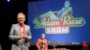 Gastgeber und Showmaster Adam Riese. (Foto: wf / Weber)