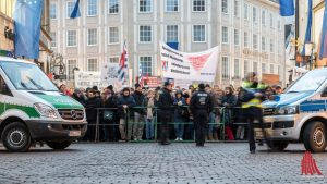 In Münsters Guter Stube hatten sich beim AfD-Neujahrsempfang 2017 rund 10.000 Demonstranten versammelt. (Foto: Thomas M. Weber)