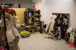 """Nicht viel Platz zum schnellen Kleiderwechsel während der Show, der """"Quickchange"""". (Foto: th)"""