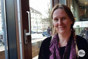 Astrid Hochbahn liebt nicht nur Kaffee mit Milch, sondern auch Berufsberatung. (Foto: Katja Angenent)