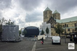 Auf der Open-Air Bühne auf dem Domplatz finden die Headliner-Konzerte statt. (Foto: Thomas Hölscher)