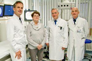 Priv.-Doz. Dr. Ulrich Peitz, Ursula Liebig, Prof. Dr. Dr. Matthias Hoffmann und Dr. Erik Allemeyer in der Endoskopieabteilung der Raphaelsklinik. (Foto: mb)
