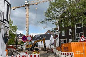 Auf dieser Baustelle im Bereich Warendorfer Straße / Gerhardstraße stieß ein Bagger auf ein Kampfmittel. (Foto: Thomas Hölscher)