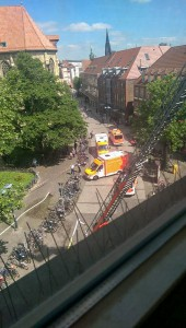 Großaufgebot der Feuerwehr in der Innenstadt. (Foto: Hemley)