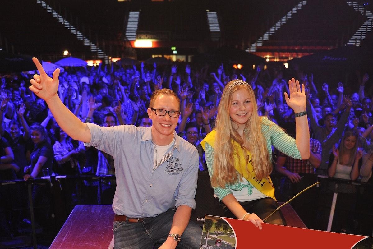 Wer wird Nachfolger von Luisa Schmidt und Benedikt Kuhlmann, Miss und Mister Bullenball 2014? Ab sofort sind Bewerbungen möglich. (Foto: Grewer)
