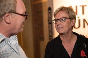 Maria Klein-Schmeink von den Grünen, hier im Gespräch mit ALLES MÜNSTER Redakteur Ralf Clausen, macht sich schon Gedanken über die zukünftige Zusammarbeit mit den anderen Parteien im Bundestag. (Foto: cabe)