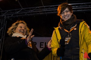 """Bei """"Verdamp lang her"""" stimmen auch NRW-Ministerian Svenja Schulze und Stephan Orth ausgelassen mit ein. (Foto: th)"""