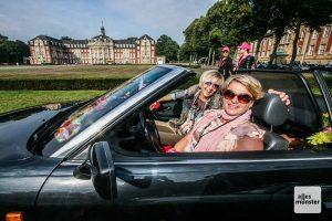 Die nächste Lady Cabrio Rallye vor dem Schloss wartet bereits. (Archivbild: Jennifer von Glahn)