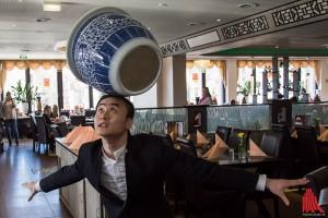 Liu Wen Long zeigt einen Ausschnitt aus seiner Nummer. (Foto: th)
