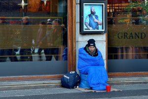 Von den Maltesern gibt es den Wärmebus, heiße Getränke und Suppe für Obdachlose in Münster. (Symbolbild: CC0)