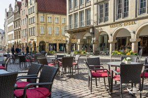 Auch in Münster haben nach dem Lockdown viele Gastronomie-Betriebe wieder geöffnet. Den großen Ansturm gab es bislang allerdings nicht. (Archivbild: MIchael Bührke)