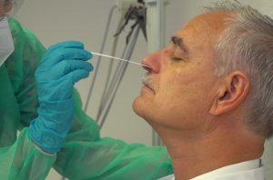 Der MDK bietet Pflegeeinrichtungen Schulungen für den Corona-Schnelltest an. (Foto: MDK Westfalen-Lippe)