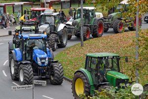Der Konvoi der Landwirte führte auch durch den Ludgerikreisel. (Foto: Michael Bührke)