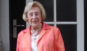 Floh 1933 vor den Nationalsozialisten aus Münster in die Niederlande: Helge Loewenberg-Domp (hier im Jahre 2006). Mit 105 Jahren starb sie jetzt in Amsterdam. (Foto: Sammlung Möllenhoff/Schlautmann-Overmeyer)