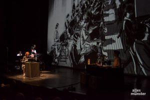 """""""Ein rätselhafter Schimmer"""" von Robert Nippoldt und dem Trio Größenwahn wird im Theater aufgeführt. (Foto: Thomas Hölscher)"""