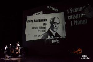 Auf der großen Bühne des Theater Münster fielen die Projektionen der Show deutlich wuchtiger aus als gewohnt. (Foto: Thomas Hölscher)