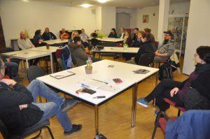 Im Februar trafen sich auf Einladung der BI Uppenberg in der Zukunftswerkstatt Mieter von rechts und links der Grevener Straße, um eine LEG-Mieter-Initiative für ihr Viertel ins Leben zu rufen. (Foto: Werner Szybalski)