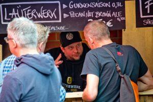 Marc Pinnekamp vom Läuterwerk im Kundengespräch. (Foto: Michael Bührke)