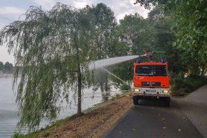 Auch die Feuerwehr war heute am Aasee im Einsatz. (Foto: Marcel Homölle)
