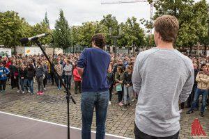 Am Ende waren über 1000 Menschen dem Aufruf der Veranstalter gefolgt. (Foto: cabe)